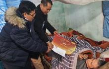 Mai Vàng nhân ái thăm, tặng quà các văn nghệ sĩ ở Quảng Bình