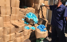 Hiểm họa từ 1.070 thùng găng tay y tế đã qua sử dụng nhập từ Trung Quốc
