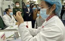 Người thử nghiệm vắc-xin Covid-19 liều 50 mcg có phản ứng phụ sốt và đau vùng tiêm