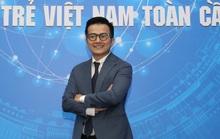 PGS-TS Trần Xuân Bách nhận giải thưởng Noam Chomsky