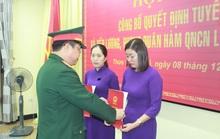 Thêm 2 người vợ liệt sĩ Rào Trăng được tuyển vào quân đội