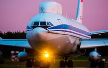 Cả gan đột nhập máy bay chở tổng thống Nga