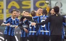 Ibrahimovic đua tài Lukaku, AC Milan thua sốc trận derby Milan