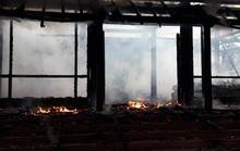Bất lực nhìn bà hỏa thiêu rụi ngôi nhà gỗ 3 gian