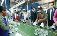 Hỗ trợ kinh phí mua khẩu trang, trông con... giúp người lao động phòng, chống dịch nCoV