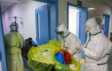 Hơn 1.700 nhân viên y tế Trung Quốc bị lây Covid-19, 6 người chết