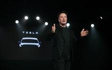 Khen ngợi Tesla, tỉ phú Bill Gates vẫn... ê chề