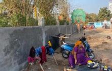 Ông Trump viếng thăm, Ấn Độ xây tường thần tốc che khu ổ chuột?