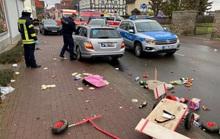 Đức: Tài xế lao xe vào đoàn diễu hành, người đổ rạp xuống đường la liệt