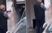 Dân mạng Trung Quốc giận sôi vì clip lột da mèo giữa tâm dịch Vũ Hán