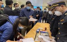 Hà Nội đang cách ly 14 trường hợp nghi nhiễm virus corona