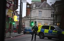 Anh: Bắn hạ kẻ khủng bố xúi giục bạn gái chặt đầu cha mẹ