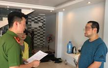 """Người đàn ông Trung Quốc bị lập biên bản xử phạt vì lưu trú """"chui"""""""