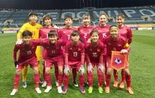Clip tuyển nữ Việt Nam vất vả vượt qua Myanmar