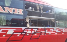 Bình Thuận: 35 hành khách hoảng loạn khi xe bị ném đá vỡ kính
