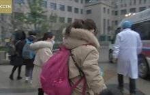 Cụ ông 91 tuổi và 5 trẻ em tại ổ dịch Vũ Hán hồi phục sau khi nhiễm virus corona mới