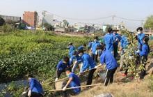 Hơn 500 bạn trẻ chung tay làm sạch kênh Tham Lương