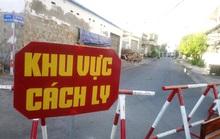 Có gì bên trong khu cách ly vì Covid-19 ở 2 tuyến phố tại Phan Thiết?