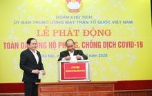 CLIP: Thủ tướng quyên góp ủng hộ phòng chống dịch Covid-19