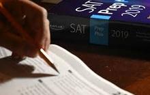 Kỳ thi SAT toàn cầu bị hủy bỏ bởi Covid-19