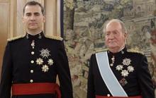 Đằng sau động thái cứng rắn của vua Tây Ban Nha với cha