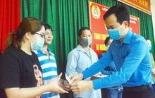 Đà Nẵng: Nửa tỉ đồng hỗ trợ người lao động mất việc