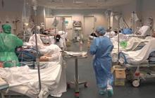 Covid-19 ở Ý: Bệnh viện hết chỗ kê giường, nghĩa trang không chứa đủ quan tài