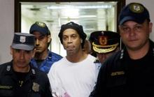 Ronaldinho đối mặt 10 năm tù vì nghi án rửa tiền