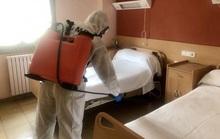 Covid-19 ở Tây Ban Nha: Bị bỏ mặc, người già phải sống cùng thi thể trong viện dưỡng lão