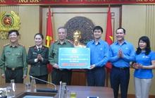 Tổng LĐLĐ Việt Nam trao 2 tỉ đồng ủng hộ các đơn vị tuyến đầu chống dịch