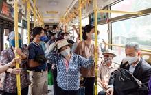 Xe buýt Hà Nội đông khách trong ngày đầu giảm 80% công suất hoạt động
