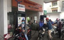Giá xăng lại giảm sốc hơn 4.000 đồng/lít trong dịch Covid-19