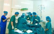 Bệnh viện tuyến huyện cứu sống bệnh nhân bị cắt đứt 20cm ở cổ
