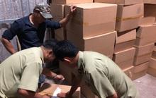 Quản lý thị trường TP HCM đánh úp đầu nậu chuẩn bị đưa 1 triệu khẩu trang ra nước ngoài