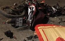 Va chạm với ôtô, 2 thanh niên đi xe máy tử vong