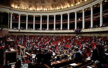 Covid-19 lây lan trong quốc hội Pháp, ca nhiễm ở Đức tăng gấp 10