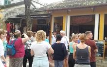 Hội An cách ly 10 người tiếp xúc với 3 khách Anh mắc Covid-19 ở Đà Nẵng, Huế