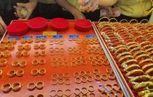 Giá vàng biến động hẹp trên ngưỡng 47 triệu, USD bật tăng cao