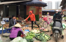 Hàng hoá đầy chợ, siêu thị trong ngày đầu cách ly toàn xã hội