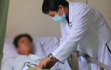 Người đàn ông bị vỡ bàng quang suýt chết do cố nhịn tiểu khi nhậu