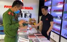 Phát hiện 3 cửa hàng, siêu thị bán hàng chục chiếc Iphone lậu ở Quảng Bình