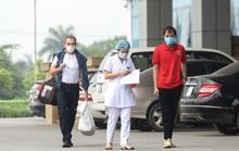 Nữ phóng viên và 16 bệnh nhân được công bố khỏi bệnh Covid-19