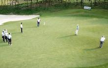 Hàng chục golf thủ tập trung chơi golf ở FLC Sầm Sơn trong khi giãn cách xã hội