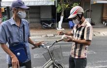 4.800 người bán vé số dạo ở Bạc Liêu và Sóc Trăng đón tin vui