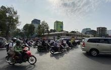 TP HCM nắng nóng như đổ lửa, người dân cẩn trọng khi ra đường