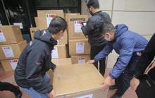 Những người yêu nước Pháp từ Việt Nam gửi tặng thiết bị phòng hộ y tế hỗ trợ chống Covid-19