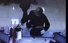 Nghi phạm nghi dùng súng cướp tại ngân hàng Techcombank đầu thú