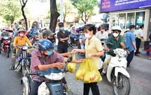 ATM thực phẩm miễn phí: Nhân rộng những tấm lòng nhân ái