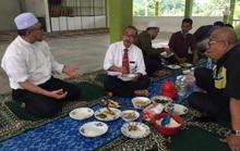 Malaysia phạt thứ trưởng y tế tụ tập trong dịch Covid-19
