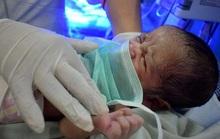 """Chào đời giữa phong tỏa, cặp song sinh được đặt tên """"Corona"""" và """"Covid"""""""